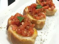 (奶素)羅勒番茄莎莎醬焗多士