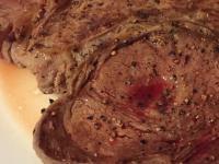 乾煎霜降沙朗牛排--依芃實驗室