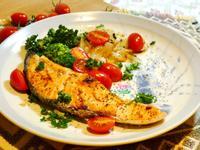 香煎酒粕鮭魚佐番茄鮮蔬