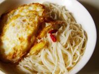 【厚生廚房】花生油煎蛋拌麵線