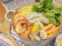 味噌海鮮火鍋 - 鮮味熱度滿點!!