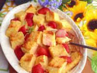 草莓麵包布丁