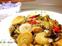 酸菜肉末炒麵腸