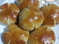 椰香奶酥花麵包