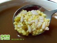 夏日涼品-燕麥小米甜湯 (電鍋料理)