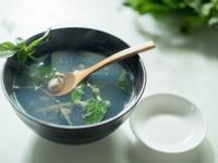 「明天會更好」塔香鮮蚵湯-對時海鮮