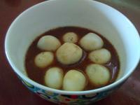 黑糖牛奶薑汁芝麻湯圓