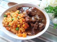 西炒飯拌紅酒燴牛肉