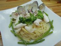 奶油海鮮白醬義大利麵