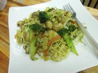 素食青醬乾炒磨菇義大利麵