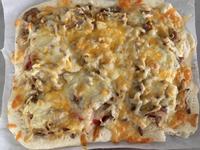 黑胡椒洋蔥牛肉披薩(麵包機麵糰)