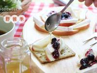 【野餐簡易甜點】白黴乳酪vs.蘋果佐蜂蜜