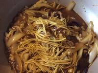 高麗菜肉絲炒麵