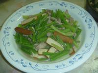 芹菜豆乾炒肉絲