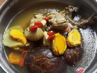 薑黃香菇雞湯~