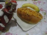 蕃茄炒麵香蕉餡麵包(小七派對美食)