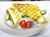 早餐-鮪魚玉米格子三明治