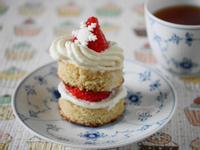Olivia♥草莓鮮奶油平底鍋蜂蜜蛋糕