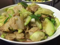 【北方家常菜】—西葫蘆炒回鍋肉