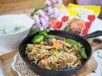 鐵板蔬菜炒麵【記憶中的味味麵】