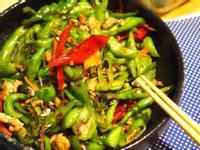 10分鐘快速料理-辣炒小魚青龍椒