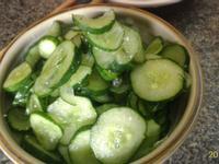 超簡單的~~夏日清涼開胃菜 涼爽鹽麴黃瓜