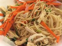 吃貨留學生「無油泰式涼拌雞肉米線」