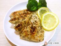 嫩煎蒜香雞胸肉 (雞胸肉不柴的烹飪方式)