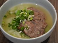牛腱雞汁湯麵。清爽的夏日湯頭!