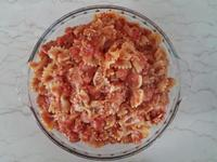 黑椒肉末蕃茄香腸蝴蝶麵