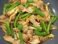 青椒洋蔥炒五花肉