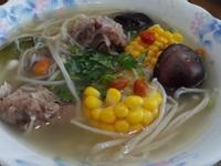 金針玉米排骨湯