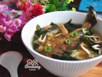 鰈魚一夜乾味噌海帶芽湯