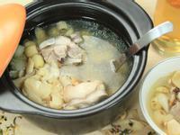 『煲湯料理』蓮百合鳳腿