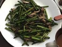 蘑菇奶油烤蘆筍