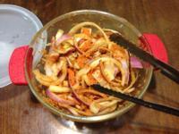 梅花肉片洋蔥沙拉