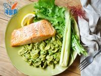 海鮮霸-海鹽烤鮭魚佐酪梨青醬貓耳麵