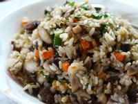 力力隨意煮-奶油蘑菇牛排蛋炒飯