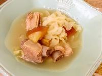 西洋梨白木耳排骨湯