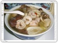 百菇魚餃養生湯