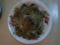 黑胡椒醬(or蘑菇醬)炒洋蔥肉絲豆芽菜