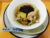 懶人電鍋湯品:家常薑味香菇雞湯