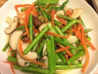蘆筍炒鮮菇