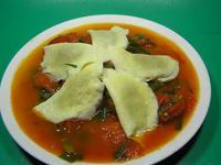 蕃茄炒桂冠蛋餃