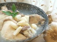 蒜頭雞湯(ㄧ雞二吃)