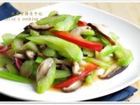 [西洋芹炒鮮菇]簡單好食清腸胃