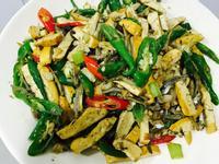 小魚乾炒豆干糯米椒