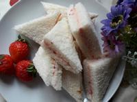 春天氣息 ~ 加味奶油-草莓奶油三明治