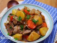 《日式馬鈴薯燉豚肉》