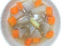 清燉紅白蘿蔔牛肉湯